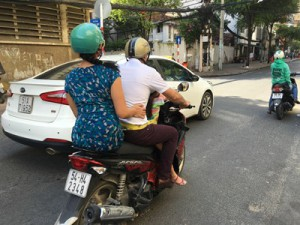 ベトナムでのバイク尾行